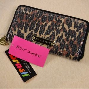 🐆 Betsey Johnson Leopard Print Wallet NEVER USED